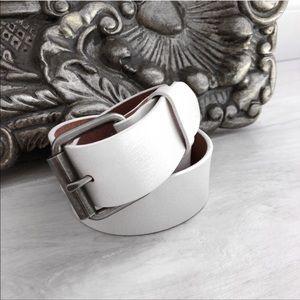 Reposh // Classic White Leather Belt